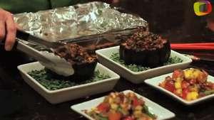 Calabazas rellenas de quínoa, arroz integral y lentejas negras Video: