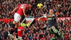 """Chicharito"" anota en triunfo de Manchester United sobre Stoke City Video:"