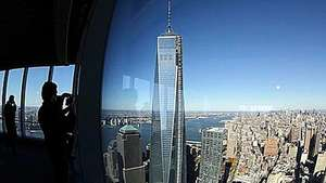 Inauguran el primer rascacielos del nuevo World Trade Center Video: