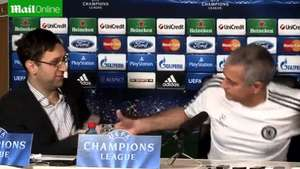 Mourinho sorprende a traductor rumano Video: