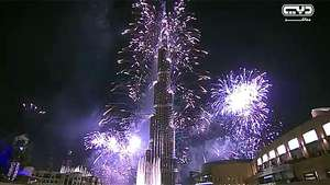 Dubai recibe 2014 con 400.000 fuegos artificiales Video: AFP