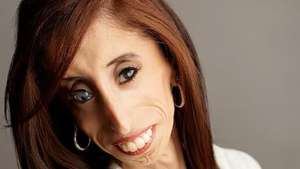 Lizzie Veláquez y su emotiva conferencia Video: Terra Colombia