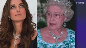 Kate Middleton luce collar de Reina Isabel II en su reaparición Video: