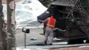 Así es un 'día de furia' de un recogedor de basura Video: