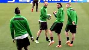 Las locuras de Balotelli que sorprenden sus compañeros en una práctica Video: