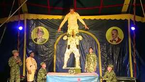 Soldados colombianos crean un circo de militares Video: