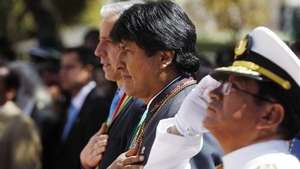 Bolivia presiona a Chile por salida al mar Video: