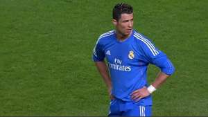 Cristiano Ronaldo se molesta con Gareth Bale por no patear un tiro libre Video: