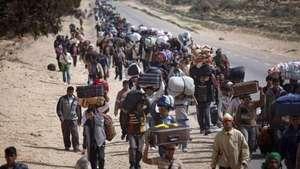 Siria: el dilema de volver a la guerra o vivir como refugiado Video:
