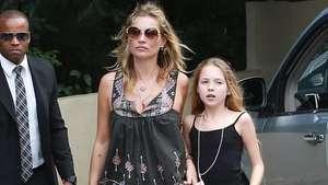 Kate Moss e hija visitan un paseo turístico en Río de Janeiro Video: