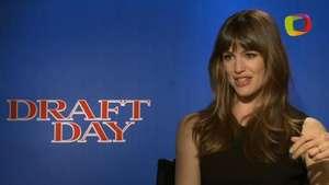 'Draft Day': Jennifer Garner muestra su argucia en el mundo del fútbol americano Video: