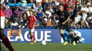 Jugador del Barcelona anota un golazo de media cancha Video: