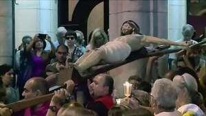 Realizan procesión por el Viernes Santo en Río de Janeiro Video: