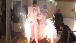 ÂEsto se llama una boda pasada por fuego! Video: