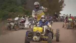 Haciendo el gamberro con los 'motocultores' Video: