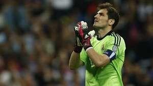 Casillas volverá a jugar en la Liga Video: