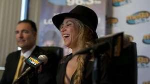 "Shakira asegura que su tema ""Waka Waka"" le cambió la vida Video:"