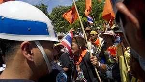 Tailandia, bajo la ley marcial Video: