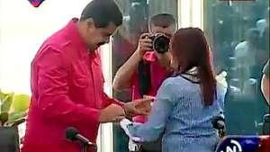 Nicolás Maduro y su esposa bailan salsa en Miraflores Video: