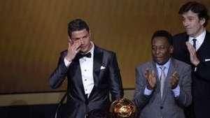 Biografía de Cristiano Ronaldo muestra las claves de su éxito Video: