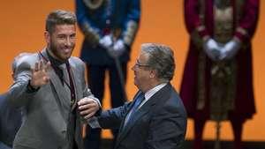 Sergio Ramos recibe la Medalla de Oro de Sevilla Video: