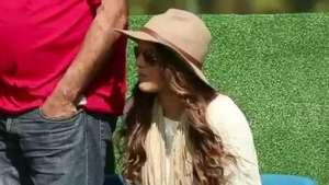 La novia de Neymar, Bruna Marquezine, muy atenta al entrenamiento de Brasil Video:
