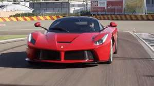 Video: Jugando con Ferrari LaFerrari Video: