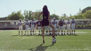Video: Adriana Lima Football vs Futbol KIA Video: