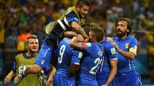 3D: Italia vence 2-1 a Inglaterra con goles de Marchisio y Balotelli Video: