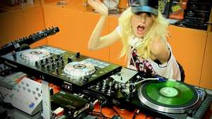 Adriana Abenia DJ  Video: