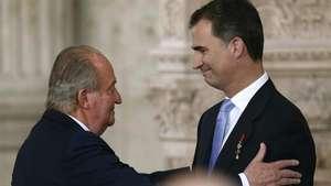 Felipe de Borbón accede a la Corona a los 46 años de edad Video:
