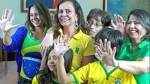 La familia de seis dedos, amuleto de Brasil en el Mundial Video: