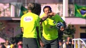 Fred imita a Suárez y 'muerde' a Marcelo en el entrenamiento Video: