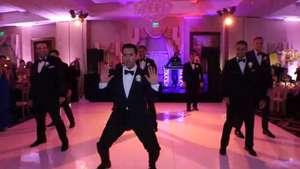 Novio baila al ritmo de Beyoncé y se convierte en furor web Video: