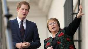El príncipe Harry visita Chile y se reúne con Bachelet Video: