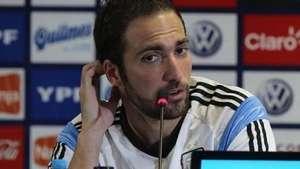 Gonzalo Higuaín mantiene la calma pese a sequía goles Video: