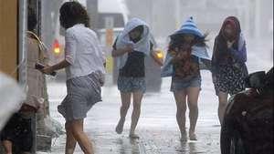 Alerta máxima por el tifón Neoguri en Japón Video: