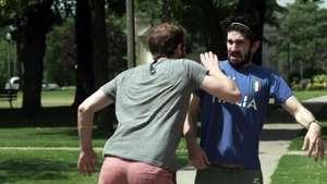 Qué pasaría si exageramos en la vida real como lo hacen los futbolistas? Video: