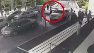 Valet parking choca un Lamborghini Aventador en hotel de India  Video: