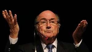 Blatter lamenta el castigo a Luis Suárez y espera que vuelva Video:
