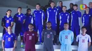 Cruz Azul Presenta su nueva Piel para este Torneo Video: