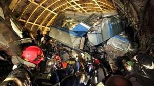 Detienen a dos trabajadores del metro de Moscú tras accidente Video: