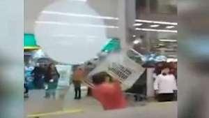 Captan violenta pelea en supermercado de San Bernardo Video: