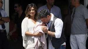 Alejandro Sanz y su esposa posan con su hija Alma Video: