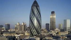 Venden el emblemático rascacielos londinense 'Gherkin' Video: