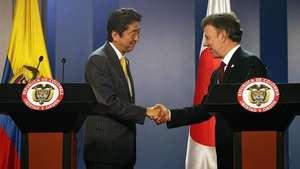 Santos destaca histórica visita de Abe a Colombia Video: