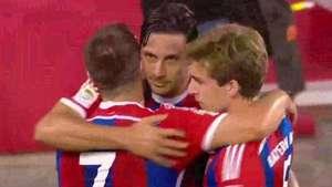 Claudio Pizarro anota gol del triunfo del Bayern Múnich sobre Chivas Video: