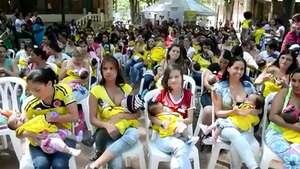 Cien madres buscan récord al amamantar en público en Medellín Video: