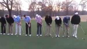 Jugada de ensueño! Golfistas realizan truco magistral Video: