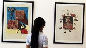 La primera exposición de Salvador Dalí llega a Cuba Video: